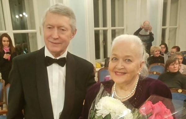 Галина Писаренко с мужем Виктором Маланичевым на юбилейном концерте в честь 85-летия артистки
