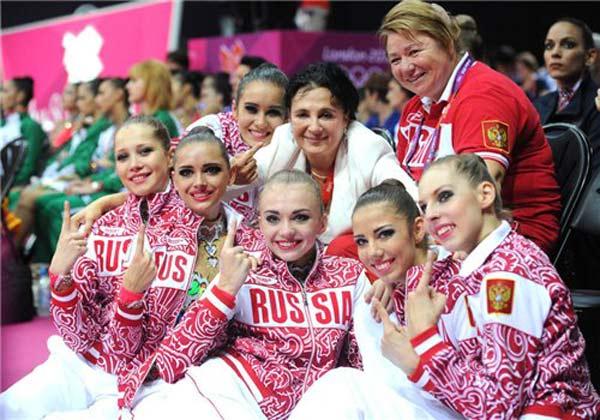 Ирина Винер со своими воспитанницами