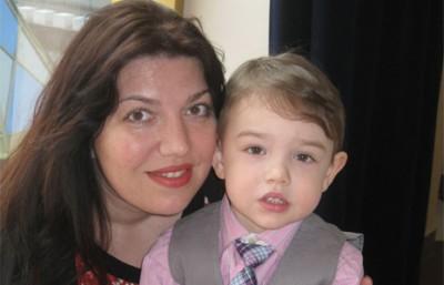 На фото: Катя с сыном