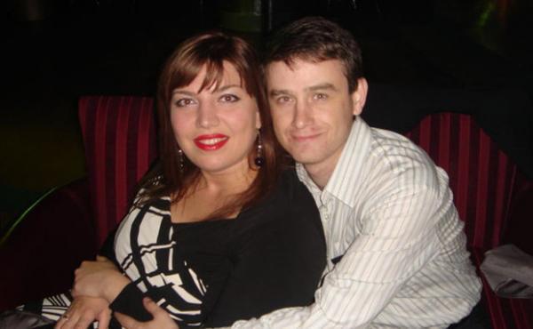 На фото: Екатерина Скулкина с мужем