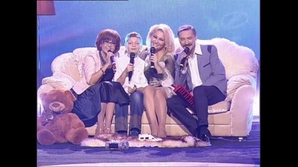 Ядвига Поплавская и Александр Тиханович с дочерью Анастасией и внуком Иваном