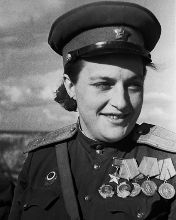 Снайпер людмила павлюченко биография личная жизнь